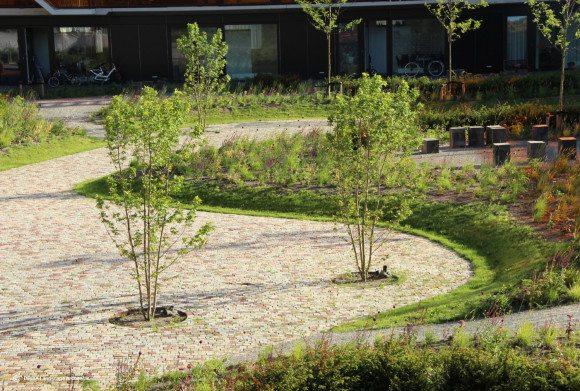DELVA-Landscape-Architects-07-2015-Heel-Europa-VMX-architecten-tuinarchitect-purmerend-weidevenne-zorg-tuin-binnentuin-mindervalide-kinderen-terras-9